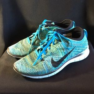 Turquoise Nike Free TR Flyknit 5.0 shoes. Sz 6.5.